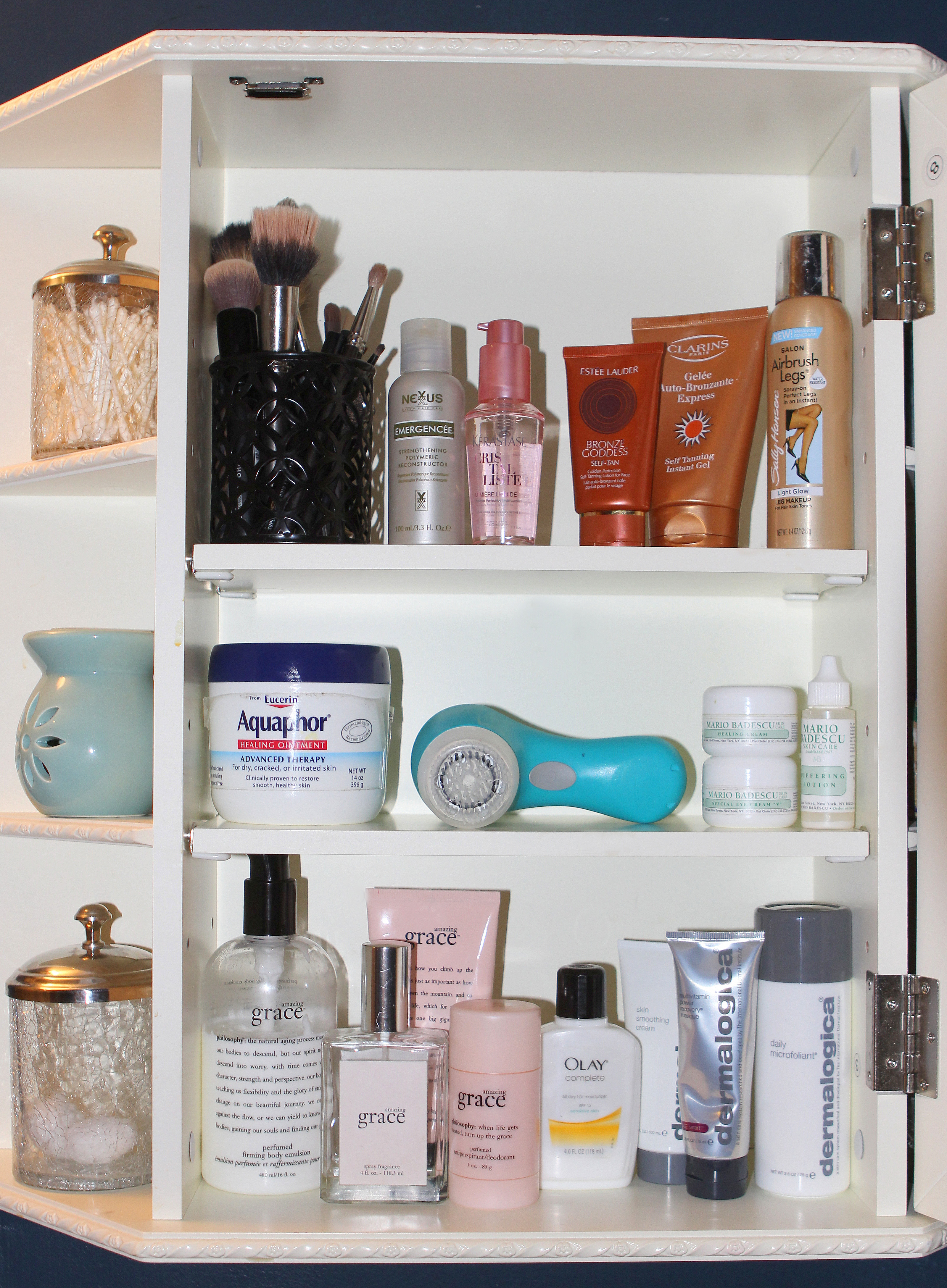 WHAT'S IN HER MEDICINE CABINET: HELENA GLAZER OF BROOKLYNBLONDE ...